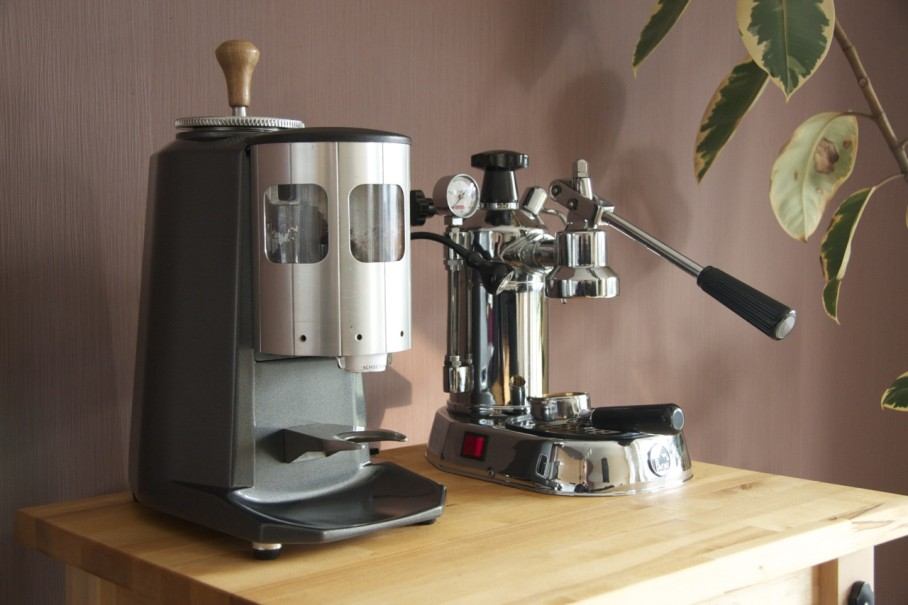 restoring a used and abused mazzer super jolly whole latte coffee. Black Bedroom Furniture Sets. Home Design Ideas