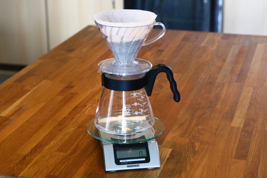 Put the decanter, with the V60 on top of it , on the scale