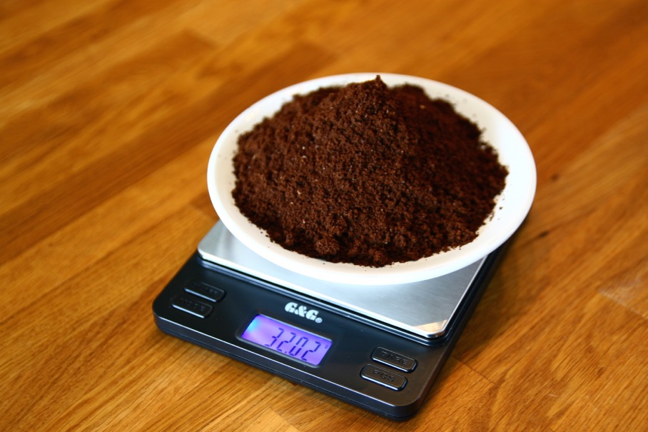 I'm making 2 240ml cups of coffee, 2 x 16 = 32 grams of coffee