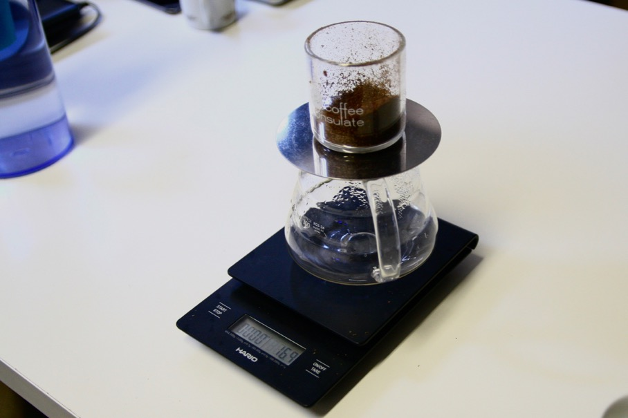 Put the decanter and RS-16 on the scale