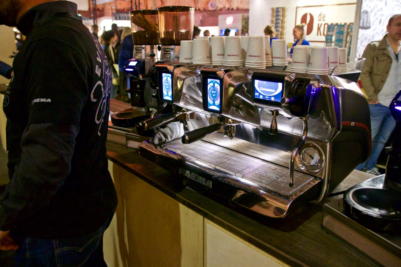 Faema E71 - Each group gets its own LCD, even the hot water tap!