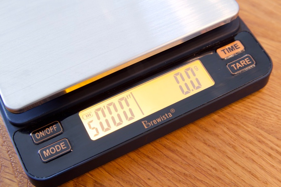 Brewista Smart Scale 2 Review - Battery charge indicator on screen
